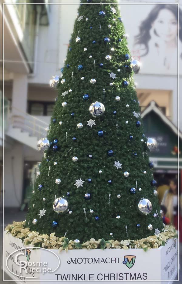 横浜元町で見かけたクリスマスツリー